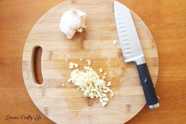 Mince garlic