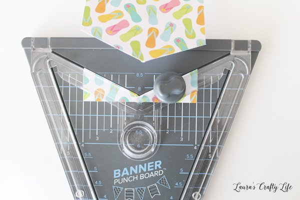 Create smaller crest shape banner piece with banner punch board