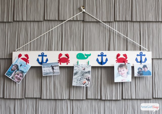 diy-nautical-picture-rail-for-vacation-pictures