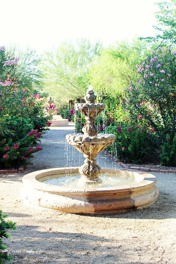 water-fountain-at-the-windmill-winery