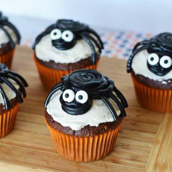 black-spider-cupcakes