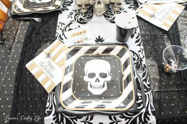 halloween-place-setting-with-oriental-trading