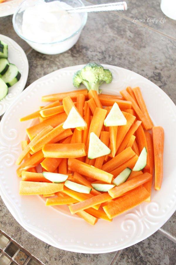 halloween-pumpkin-veggie-tray