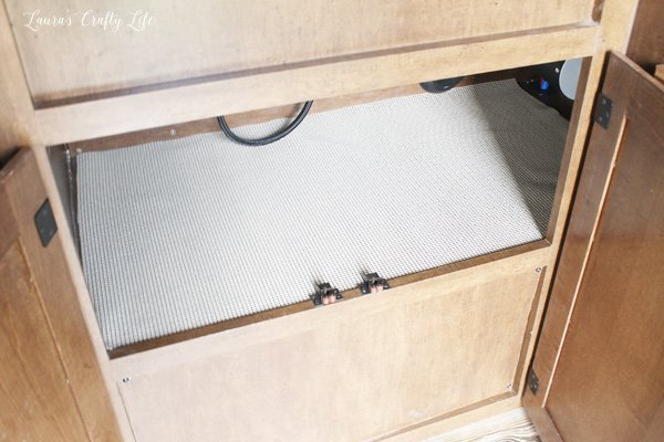 line-cabinets-with-easy-liner-to-prevent-items-from-sliding-around-on-the-road