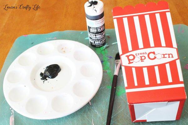 paint-popcorn-box-with-black-paint