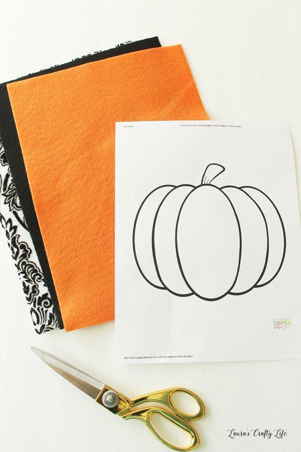supplies-needed-for-felt-halloween-pumpkin