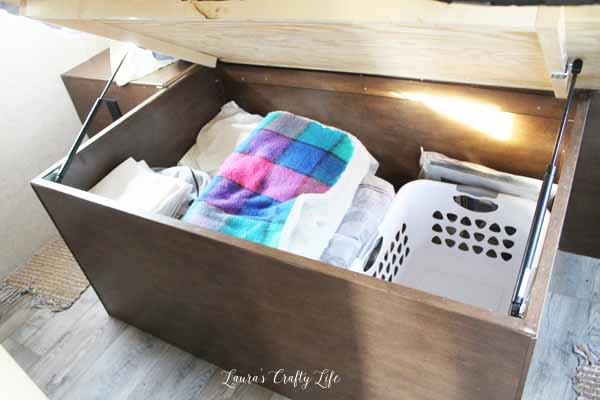 under-bed-storage-in-the-rv-trailer