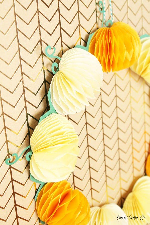 honeycomb paper pumpkin wreath closeo up