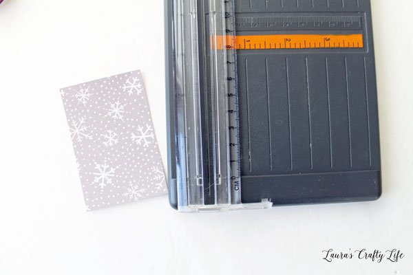 cut-a-rectangle-from-patterned-paper-using-paper-trimmer