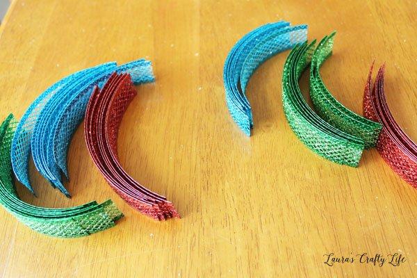 cut-glitter-mesh-ribbon-into-strips