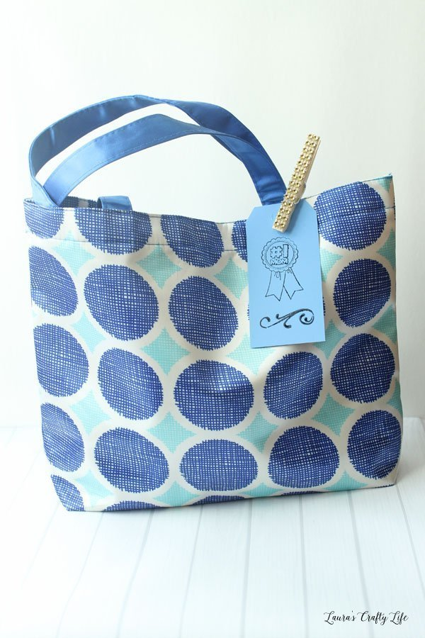 new-mom-gift-bag-filled-with-items-for-postpartum-care