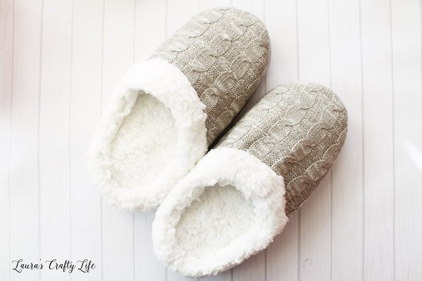 use-slippers-as-a-gift-basket-for-a-pedicure-gift-basket