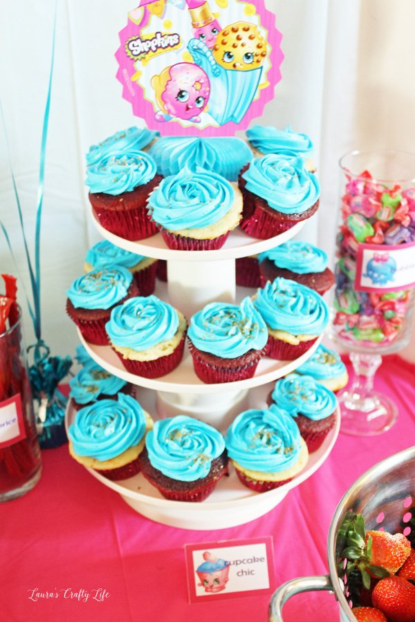On The Top Of Cupcake Stand I Used One Centerpieces That Came In Decorating Kit