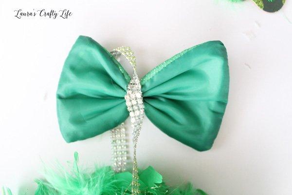 glue bow to diamond wrap