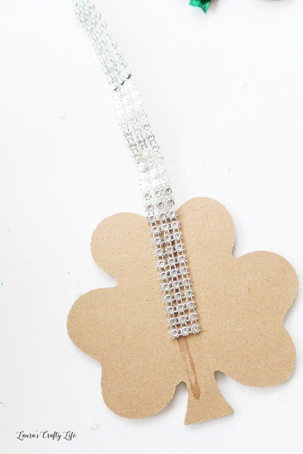 glue diamond wrap to wooden clover
