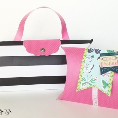 Create your own pillow box gift wrap