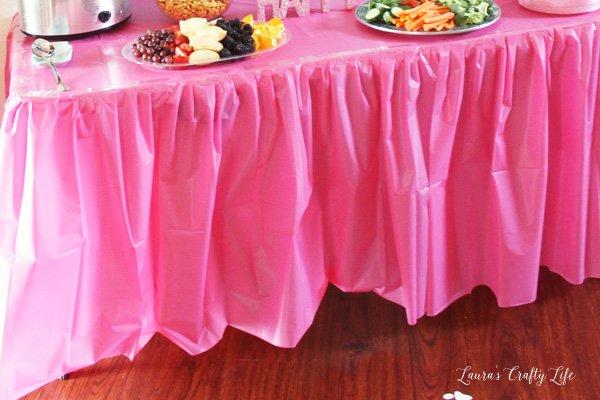 DIY Gathered table skirt