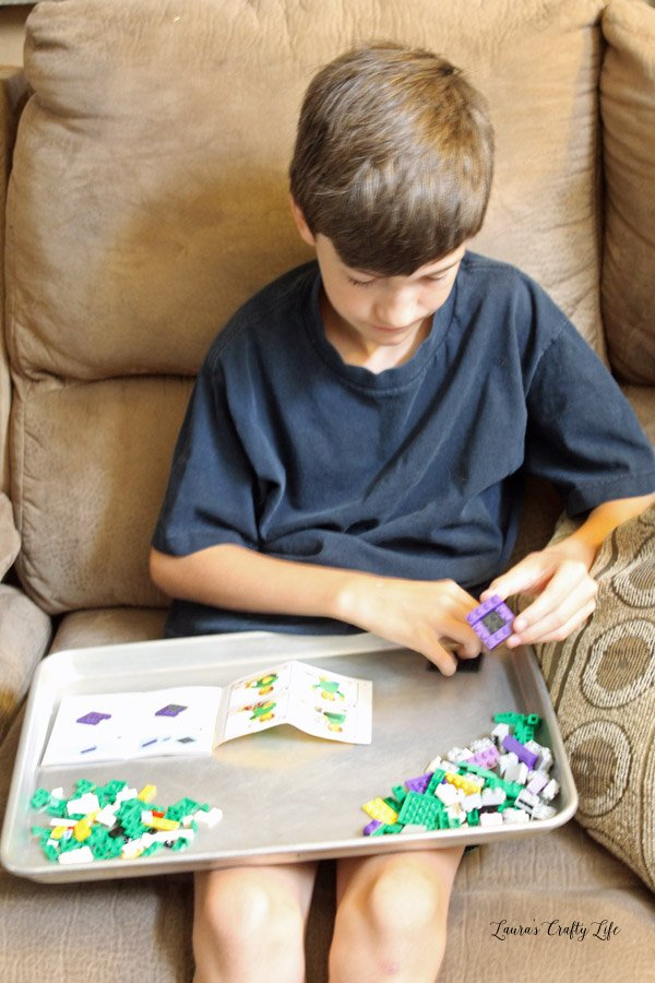 T building his LEGO Brickheadz The Joker