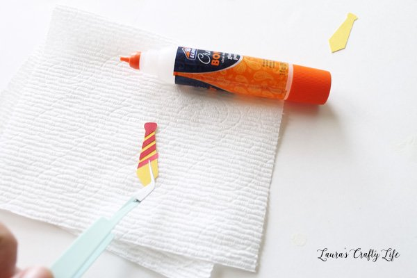 Fine tip glue to assemble small pieces