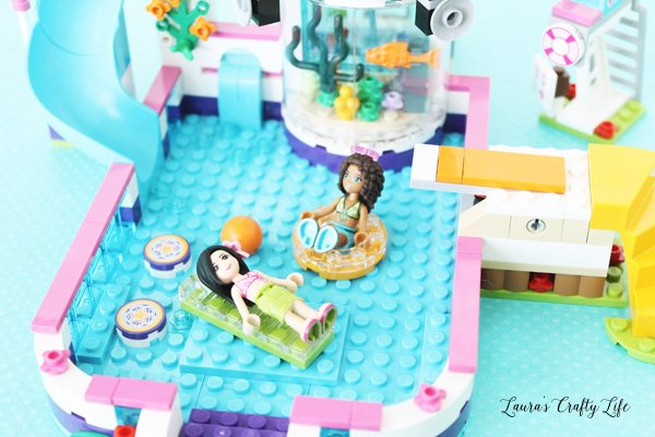 LEGO Friends Heartlake Summer Pool - rafts and springing diving board