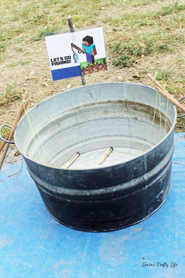 Bucket for fishing poles