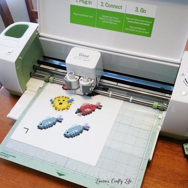 Use Cricut Explore to cut out Minecraft Fish