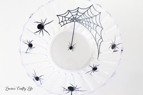 Spider vinyl on clear bowl