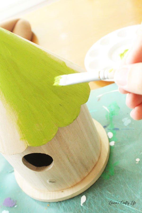Paint the birdhouse