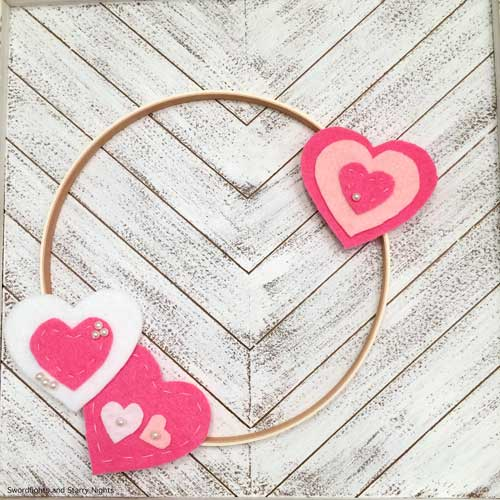 DIY Felt Hearts Embroidery Hoop