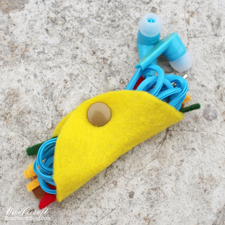 Taco earbud Holder