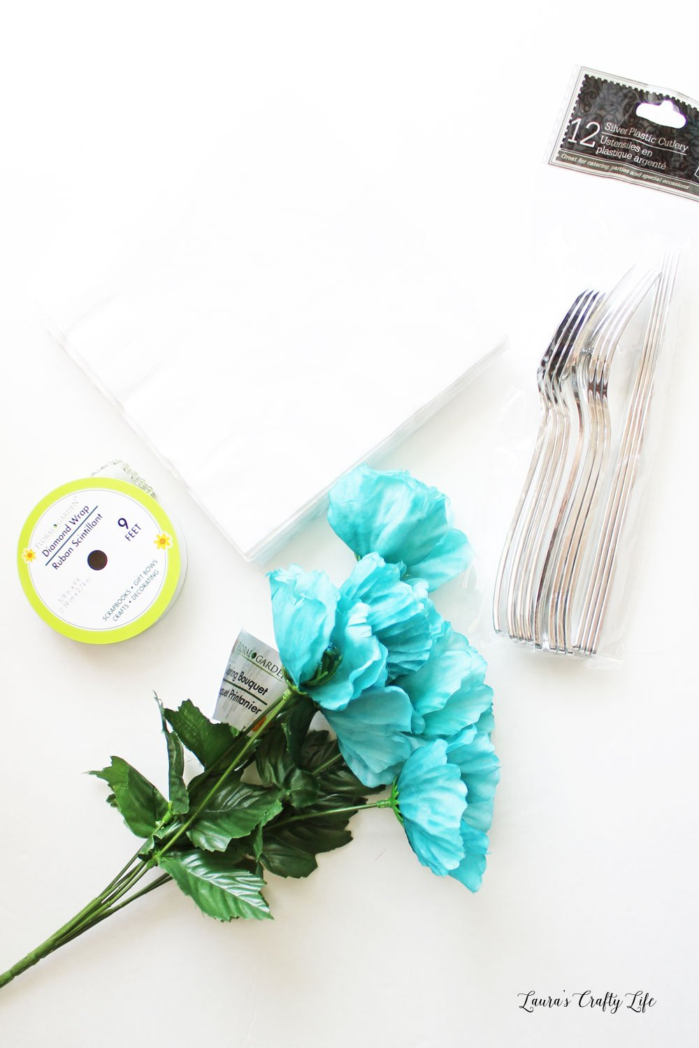 Supplies to make flower napkin ring