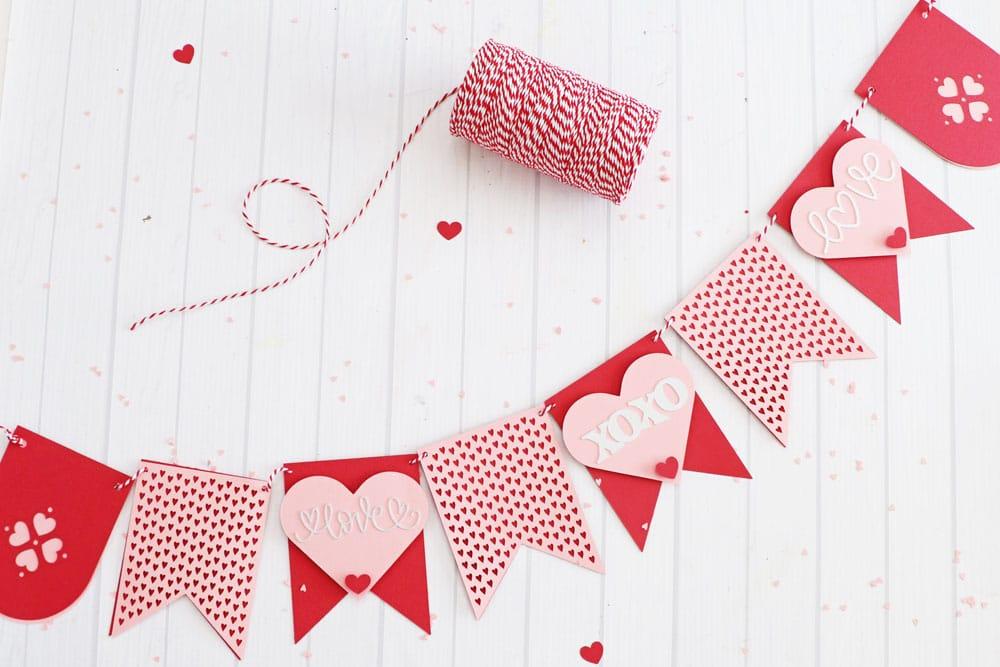 Cricut Valentines banner