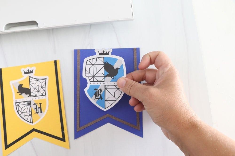 add Hogwarts sticker to banner