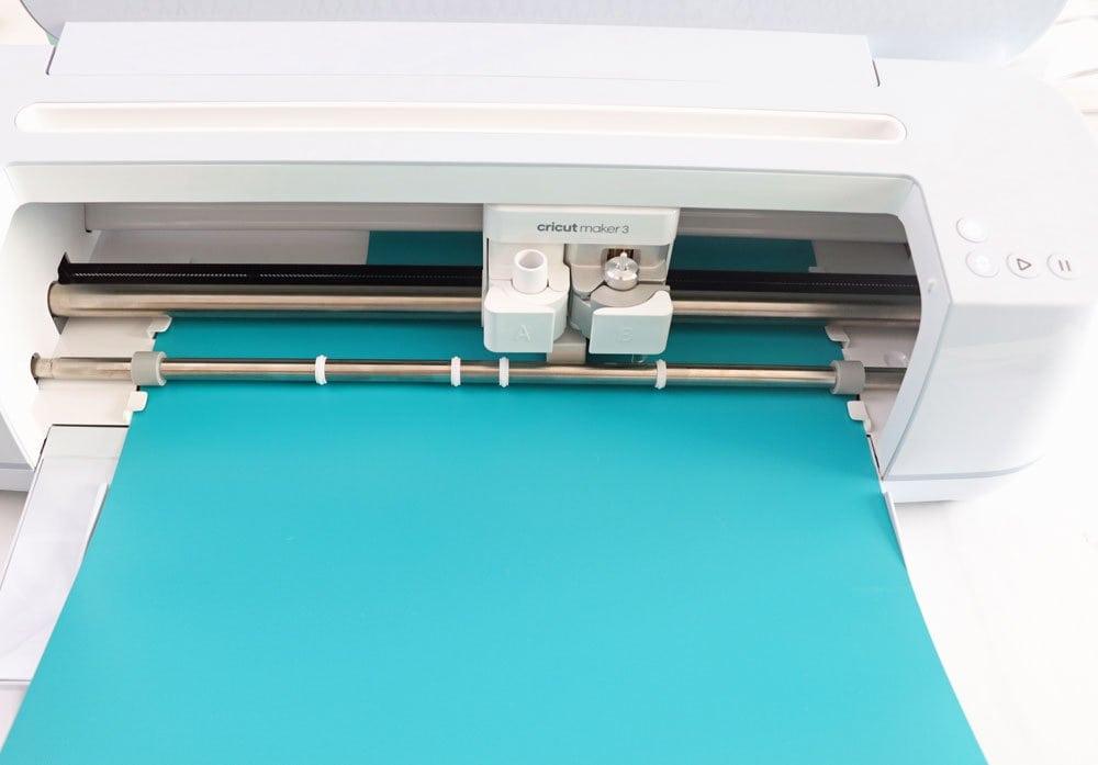 cut smart vinyl with Cricut Maker 3