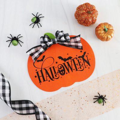 pumpkin halloween sign