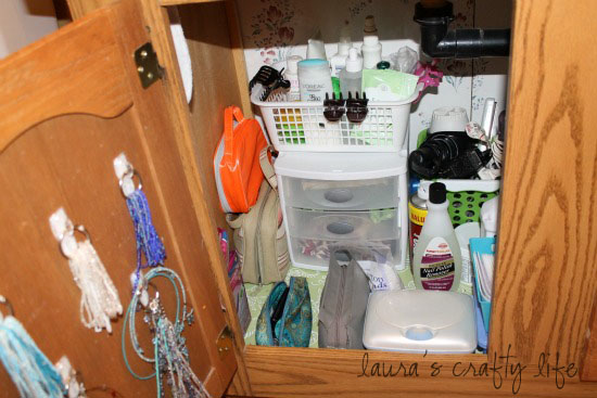 how to clean bathroom cabinets day 19 clean bathroom cabinets s crafty 23399